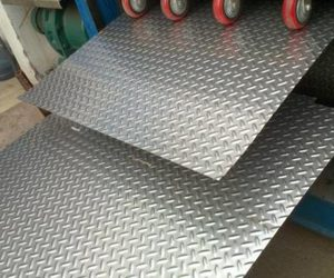 Hot-rolled-stainless-steel-sheet with pattern image